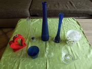Verschiedene Glasvasen