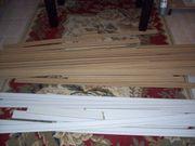 Sockelleisten aus Holz weiß oder