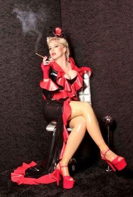 Sie sucht Ihn (Erotik) - Domina - Klinikerin - Latex Göttin - Schlüßel