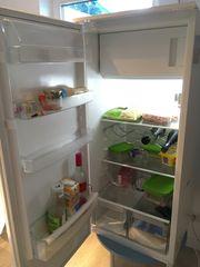 Einbaukühlschrank mit Gefrierfach