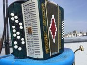 Knopfakkordeon B-Grif russische Bajan Malisch