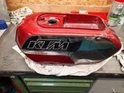 KTM RLW Tank