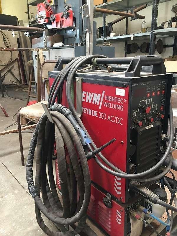 Schweißgerät Industrieschweißgerät EWM TETRIX 300