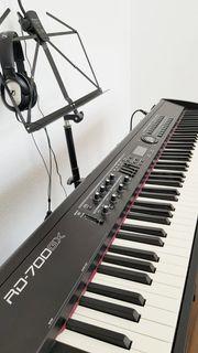 Stagepiano Roland RD-700GX