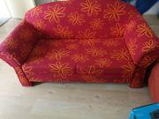 Gut erhaltenes Sofa abzugeben