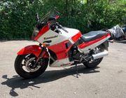 Kawasaki GPX 750 R für