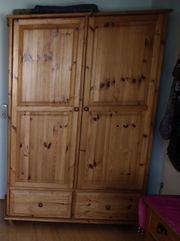 Kleiderschrank - massiv Kiefer - 130 x