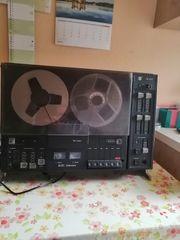 Altes Tonbandgerät der Marke HGS-Electronic