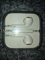 2x Original APPLE EarPods mit