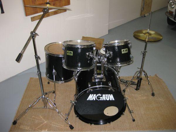 Einsteiger Drumset günstig abzugeben