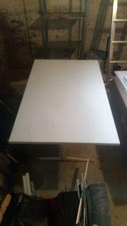 Weißer Gartentisch Klapptisch aus Metall