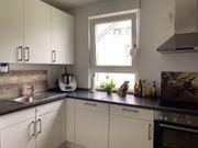 Küche mit Elektrogeräten im guten