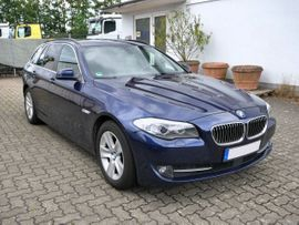 BMW 5er - BMW 530d xDrive Touring tiefseeblau