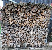 Brennholz 1m trocken gespalten