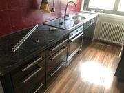 Küche schwarz Hochglanz mit zwei