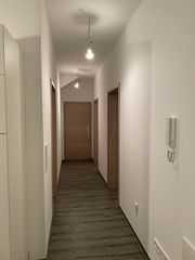 Mietfreie Wohnung für Dame bis