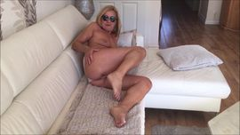 Sie sucht Ihn (Erotik) - Corona Hilfspaket für dich