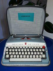 Brother Deluxe Schreibmaschine hellblau