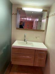 Waschtisch mit Unterschrank und Spiegel