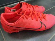 Fussballschuhe von Nike Orange