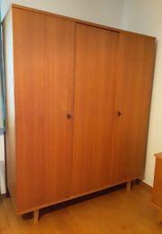alter Kleiderschrank Schrank Kasten