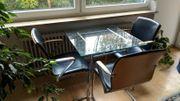 Glastisch mit 3 Lederstühlen Tisch