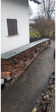 Brennholz Unterstand