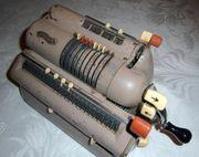 Seltene Kurbel-Rechenmaschine von ca 1950