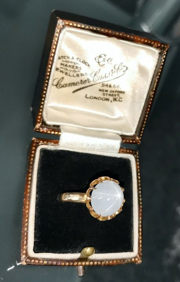 Prachtvoller weißer Sternsaphir Ring von