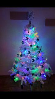 weißer Christbaum
