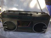 Kassettenrekorder mit Radiotuner