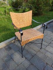 Cooler Stuhl als Deko