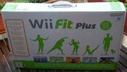 Nintendo Wii Fit Plus inkusive