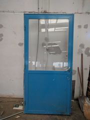 Verkaufe Metalltüre mit Glas