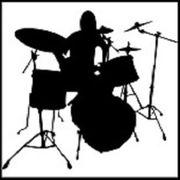Ambitionierter Schlagzeuger sucht Aushilfsjobs