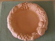 Terrakotta Schalen reliefartig verziert