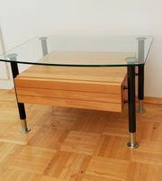 Nachttisch mit Schublade und Glasplatte