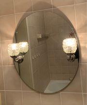 Spiegel mit Leuchten