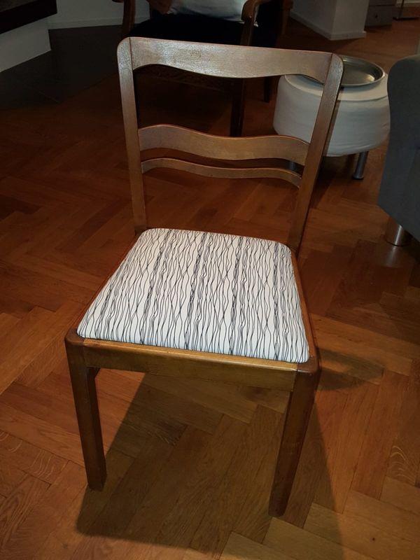 1 toller alter antiker Stuhl