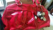 sehr süße rote Tasche
