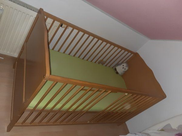 Babybett Kinderbett Juniorbett 2 in1 Umbaubar 140x70 mit Matratze in ...