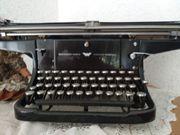 alte schwarze Schreibmaschine