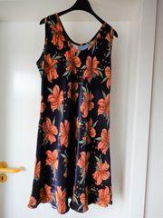 Strandkleid Sommerkleid schwarz mit Blüten