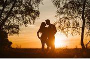 Attraktiver Mann sucht Reifes Paar