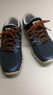 Schuhe In Nürtingen Kaufen Accessoires Günstig Nike Bekleidungamp; vmwO8Nn0