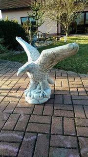 Skulptur Adler Betonfigur Garten