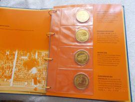 Bild 4 - Album mit 32 Medaillen zur - Nürnberg Forsthof