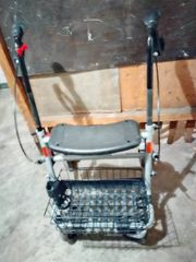 Rollator mit Körbchen günstig zu