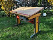verschenke Kinder-Schreibtisch Basteltisch höhenverstellbar an