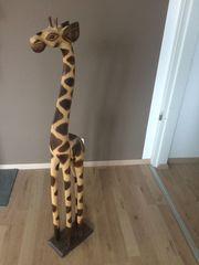 Deko-Giraffe aus Holz